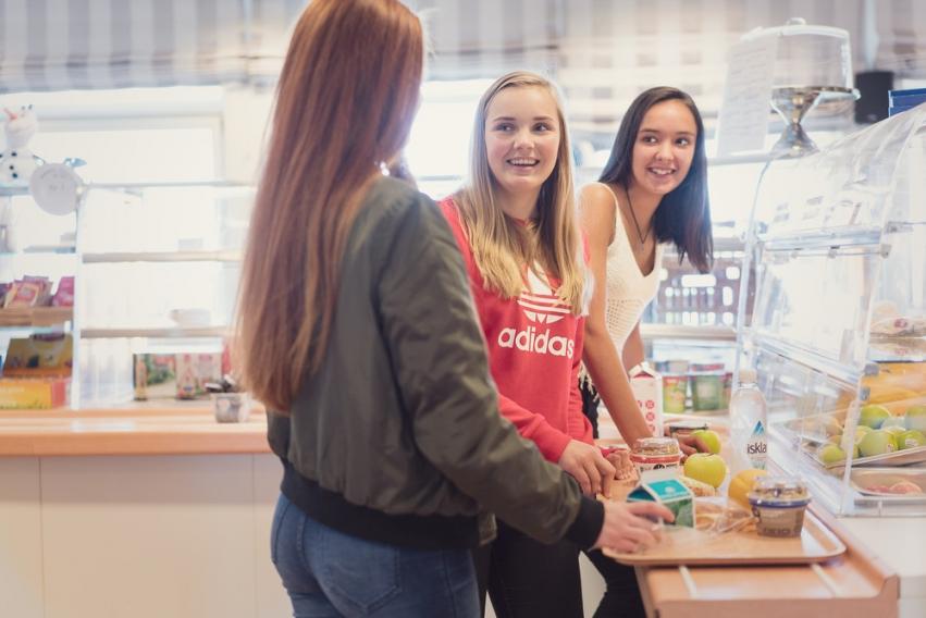 3 elever i kantina på Atlanten vgs